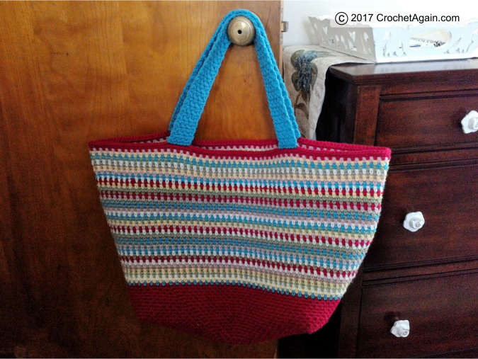 crochet-confetti-tote-bag-hanging
