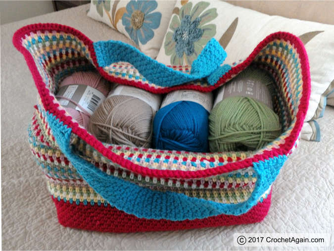 crochet-confetti-tote-bag-yarn